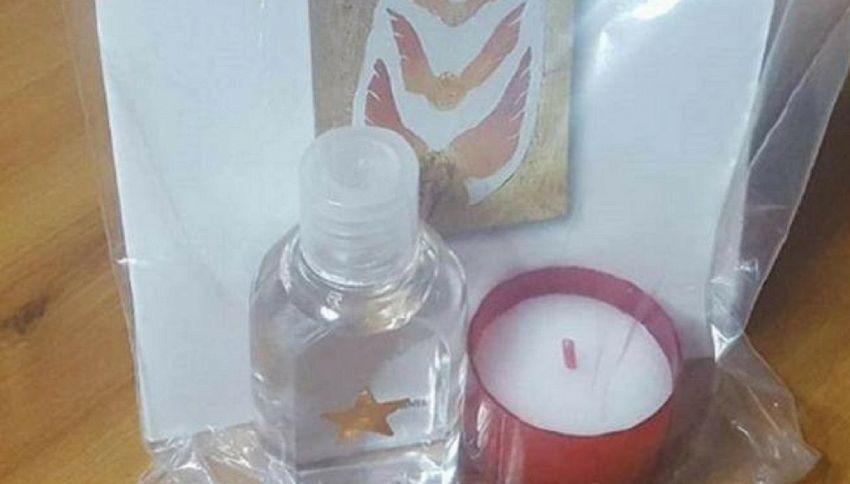 A Natale la benedizione è fai da te: arriva kit con l'acqua santa