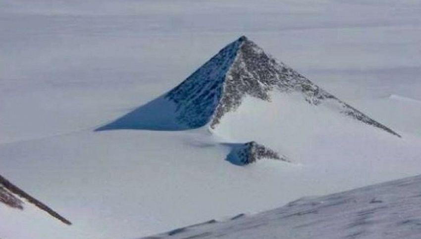 Il mistero della piramide di roccia in Antartide