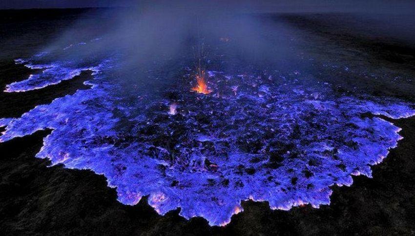 Il mistero del vulcano che erutta lava blu