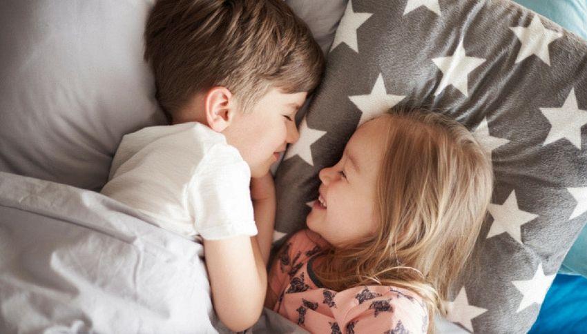 Avere una sorella rende più felici, lo dice la scienza