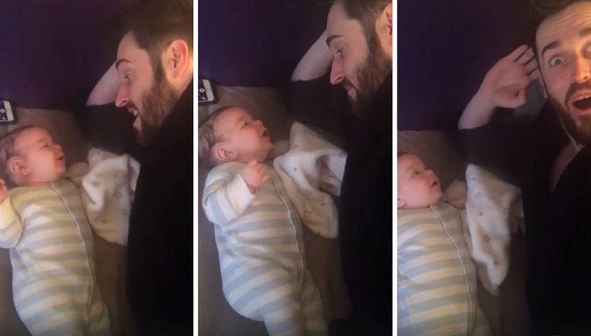 """A soli 3 mesi dice """"Hello"""" e lascia a bocca aperta i genitori"""