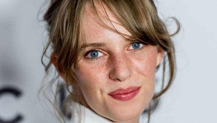 Chi è Maya Hawke, attrice figlia di Ethan e Uma Thurman