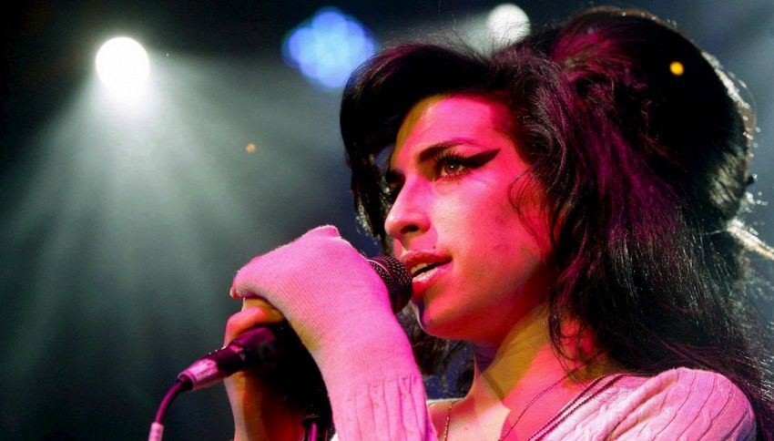 Fermi tutti, esiste una canzone inedita di Amy Winehouse