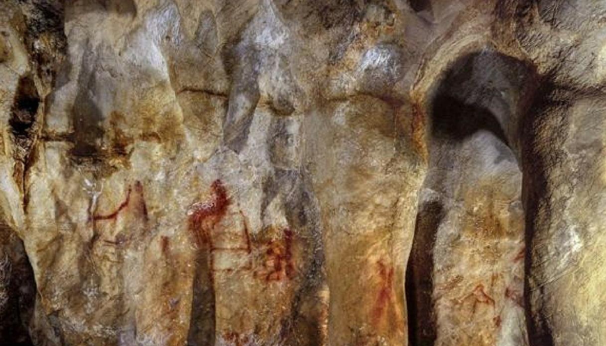 Scoperta l'arte più antica del mondo: era dei Neanderthal