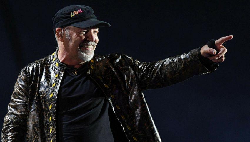 66 anni di Vasco Rossi, le 10 canzoni più controcorrente