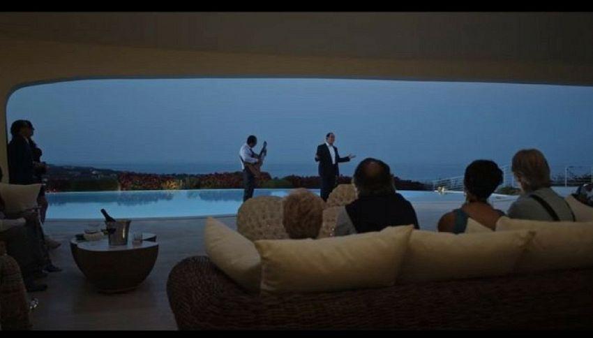 """È uscito il trailer di """"Loro"""" di Paolo Sorrentino"""