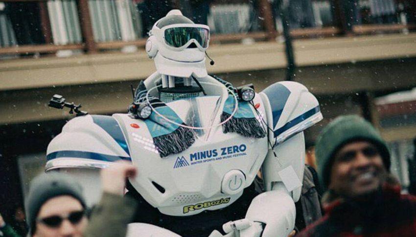 Robozao di Ballando è un vero robot o c'è dentro un uomo?