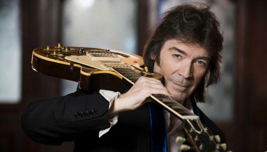 Da musicista a leggenda: intervista esclusiva a Steve Hackett