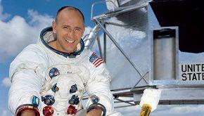 La storia di Alan Bean, il quarto uomo a camminare sulla Luna