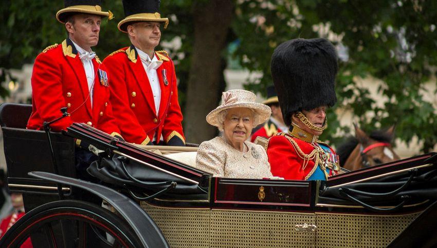 Alla corte della Regina Elisabetta: i lavori più strani