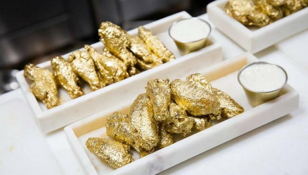 Volete assaggiare le alette di pollo d'oro? Costano mille dollari