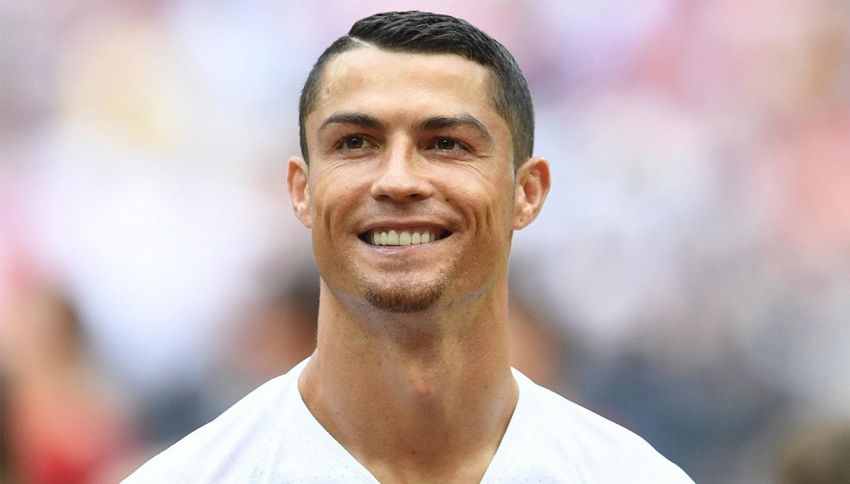 Il pizzetto di Cristiano Ronaldo? Ecco l'ultimo sfottò a Messi