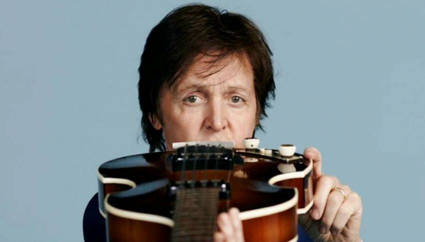 Qual è l'origine della leggenda urbana su Paul McCartney?