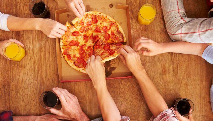 """I rischi del cibo: negli USA aumentano gli """"infortuni da pizza"""""""