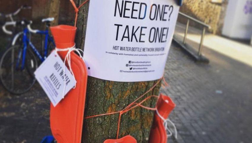 Un gesto solidale per i senzatetto: l'idea della Gran Bretagna