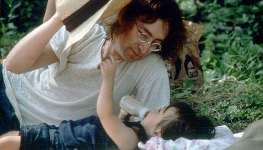 Oggi abbiamo bisogno più che mai di John Lennon
