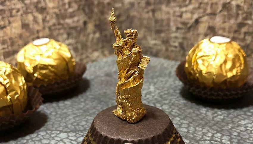 C'è un artista che crea sculture con la carta dei Ferrero Rocher