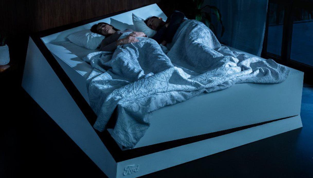 Esiste un letto che ferma chi invade la metà dell\'altro | superEva