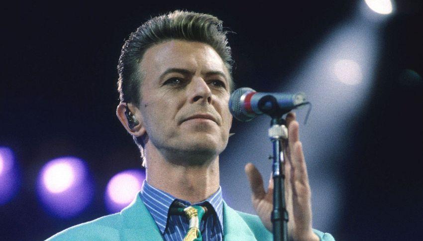 Vans lancia una linea di sneakers in onore di David Bowie