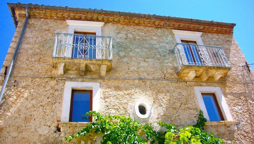 Splendida villa a 3 piani a soli a 58 euro: ecco come averla