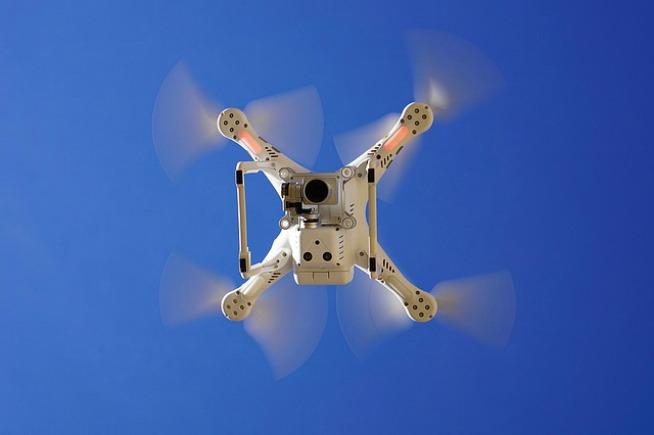 Droni messi al bando, mettono a rischio la privacy
