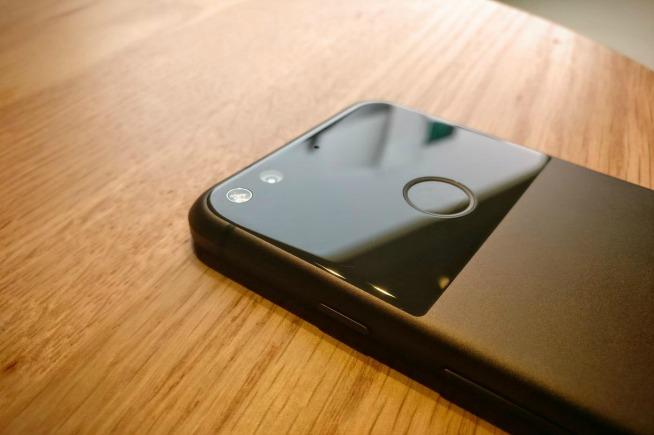Pixel vs iPhone 7: quale batteria dura di più?