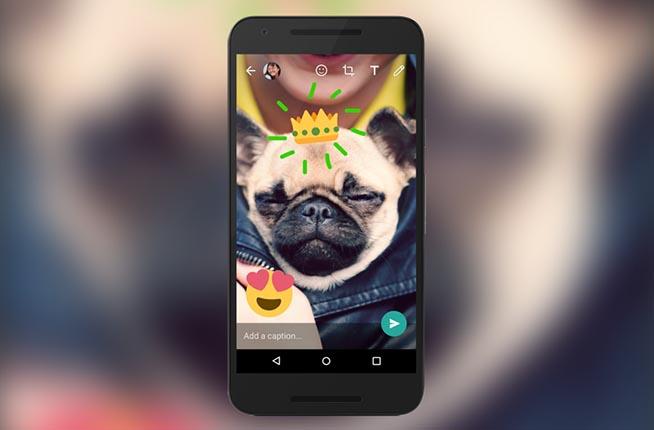 La nuova versione di WhatsApp permette di aggiungere sticker ed emojii