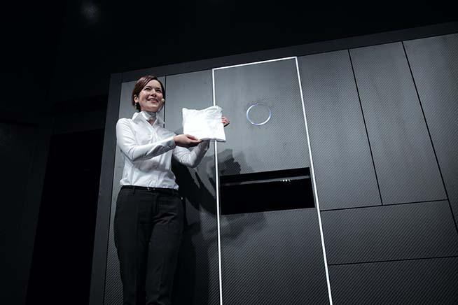 Il sistema presentato da Samsung non è l'unica lavatrice intelligente presente sul mercato. Premi sull'immagine e scopri di cosa è capace Laundroid