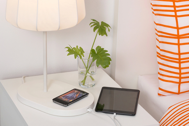 IKEA-varv-table-lamp-with-wireless-charging
