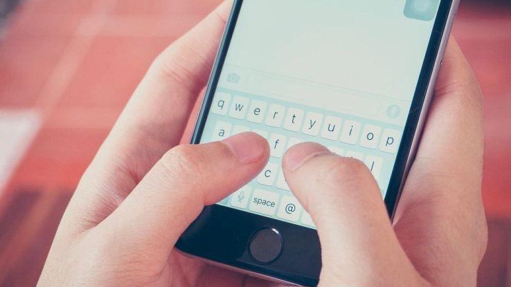 come inviare messaggi sms programmati con iphone libero tecnologia. Black Bedroom Furniture Sets. Home Design Ideas
