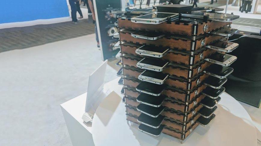 Samsung, 40 Galaxy S5 usati per creare Bitcoin