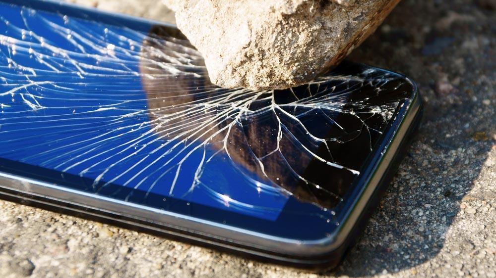 Come recuperare i dati dello smartphone se si rompe lo schermo