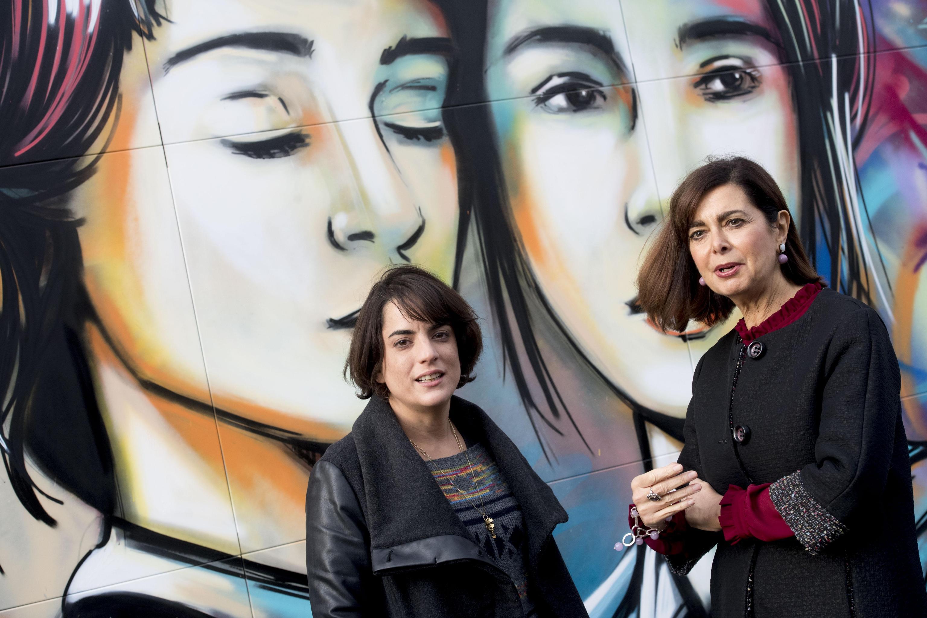 Instagramm celebra gentilezza con murale