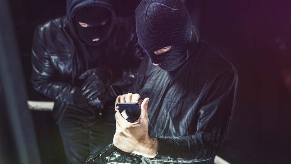 iPhone rubato o perso, come gli hacker riescono a rivenderli