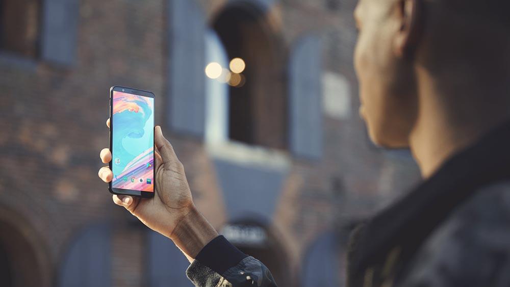 OnePlus 5T ufficiale, caratteristiche, prezzo e uscita in Italia