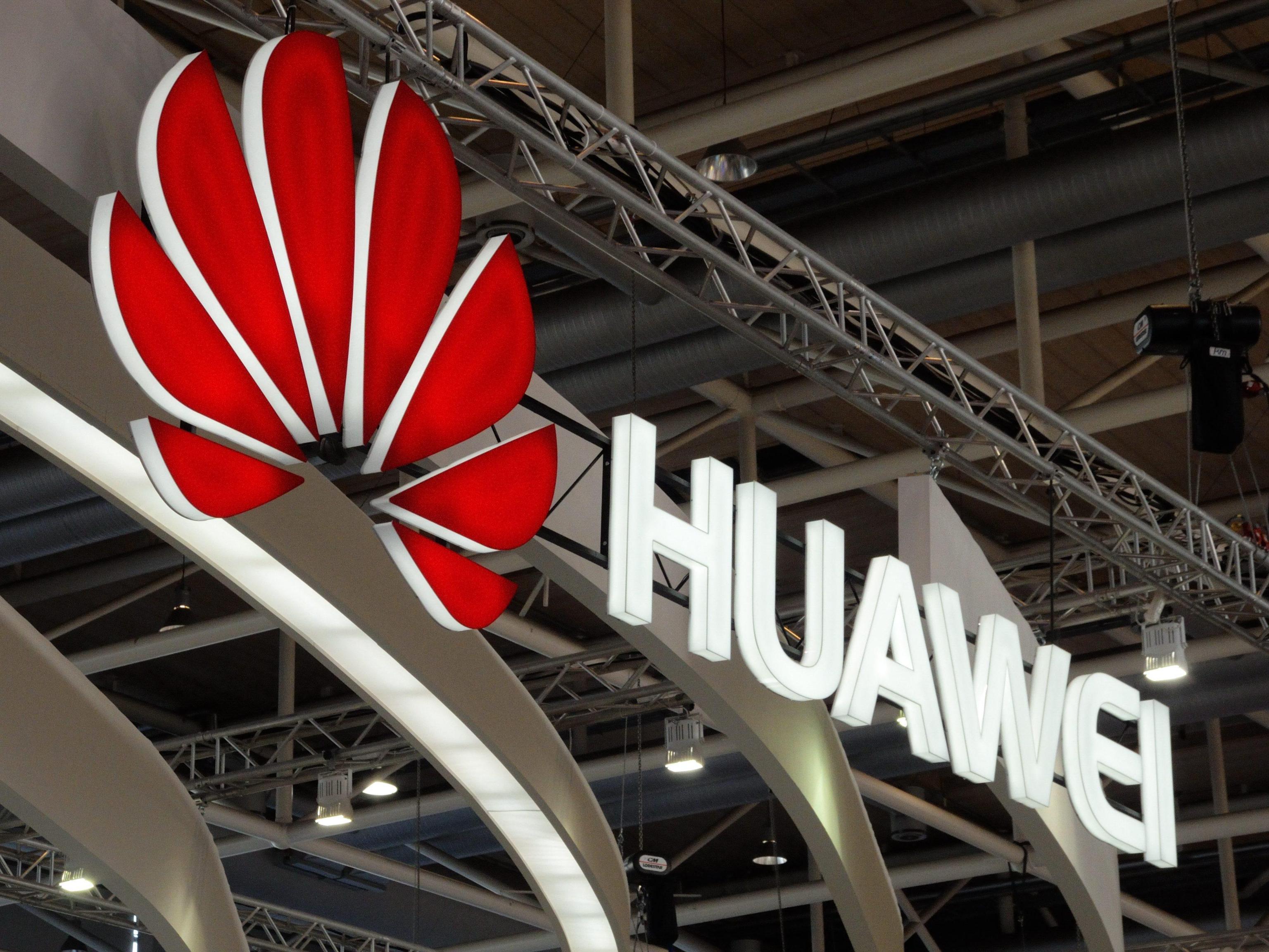 Huawei punta su fotocamere avanzate