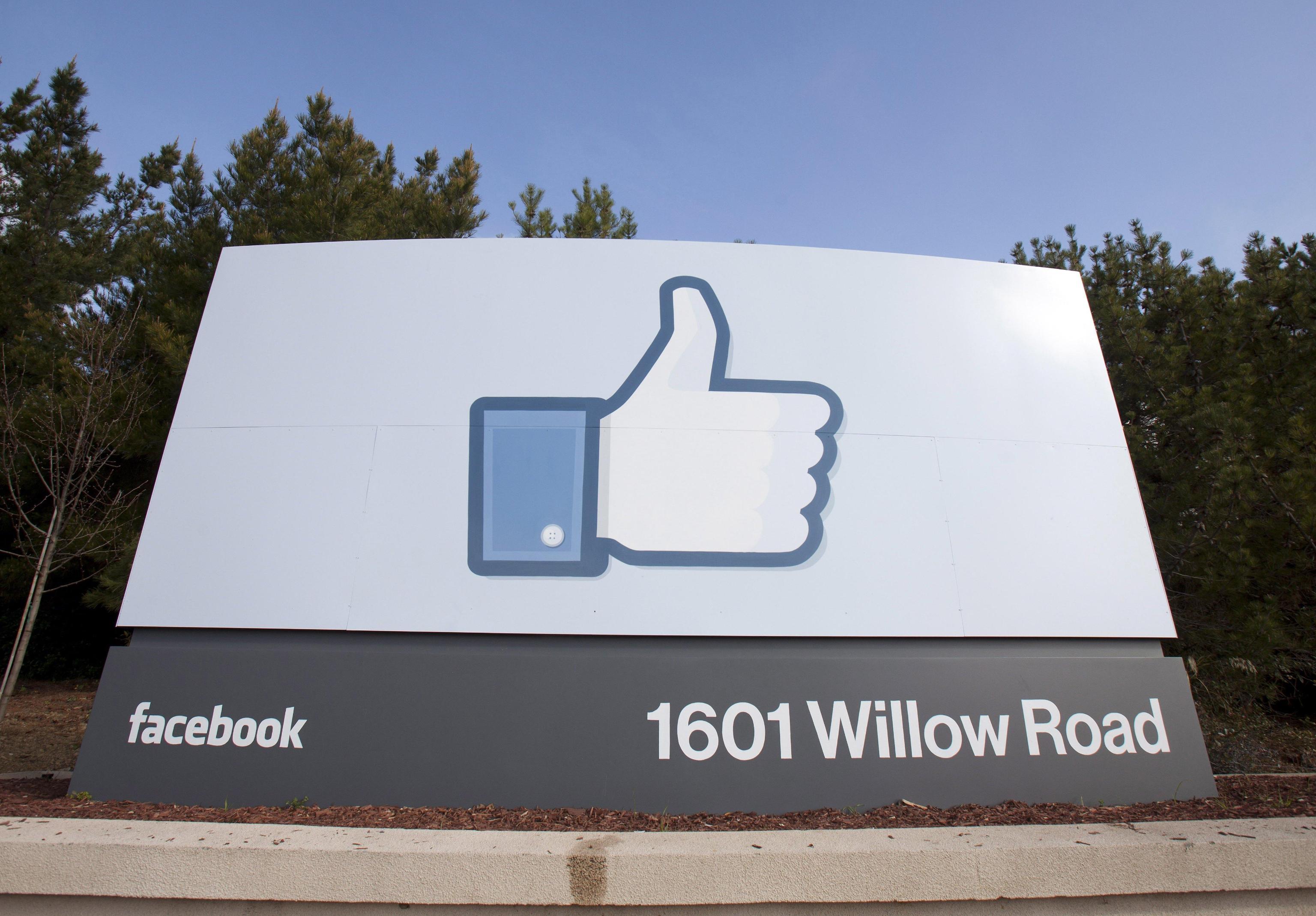 Ex manager, Facebook fa a pezzi società