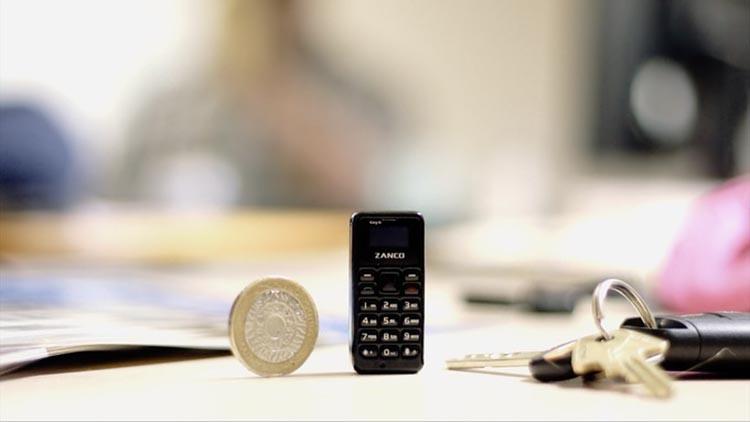 Zanco, il telefonino grande come una moneta