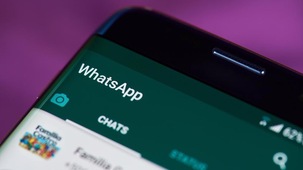 Aggiornamento WhatsApp, i messaggi-truffa. L'allarme della Polizia