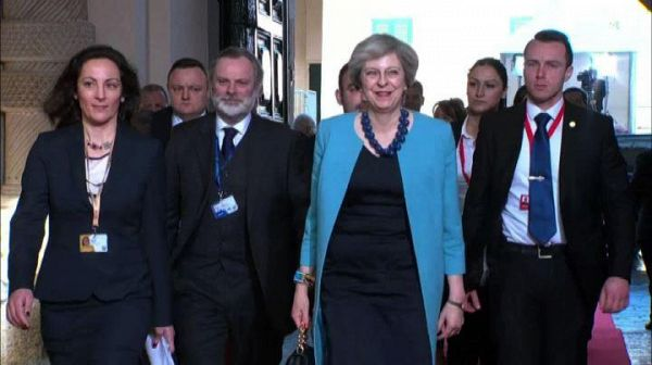 Theresa May attacca l'ossessione dell'indipendenza scozzese
