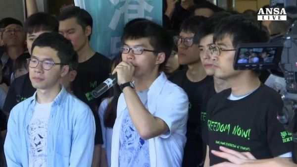 Hong Kong, dissidenti in carcere