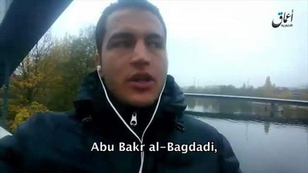 Il video in cui Anis Amri presta giuramento all'Isis