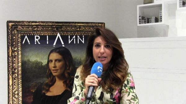 Arianna nel video di Will.i.am 'Mona Lisa Smile'