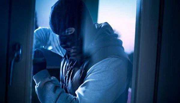 Come si comportano i ladri quando rubano in casa
